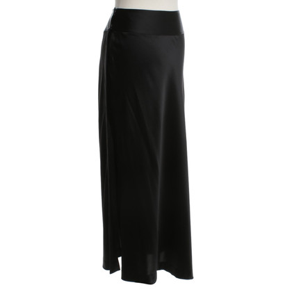 Donna Karan Wrap skirt in black
