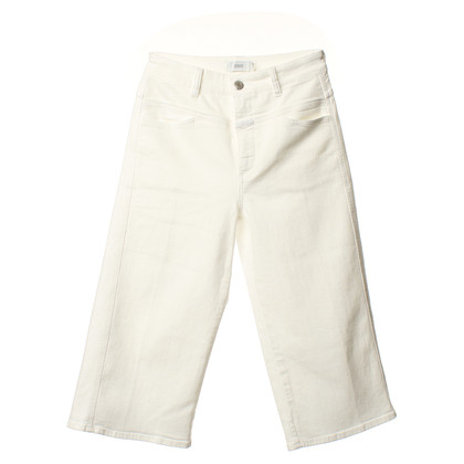 Closed Shorts in wit