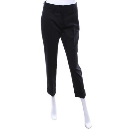 Prada Gevouwen broek in zwart