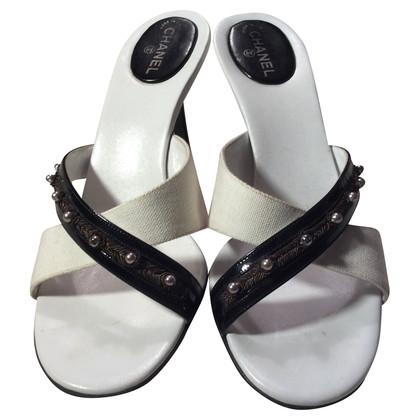 Chanel Muli in bianco e nero