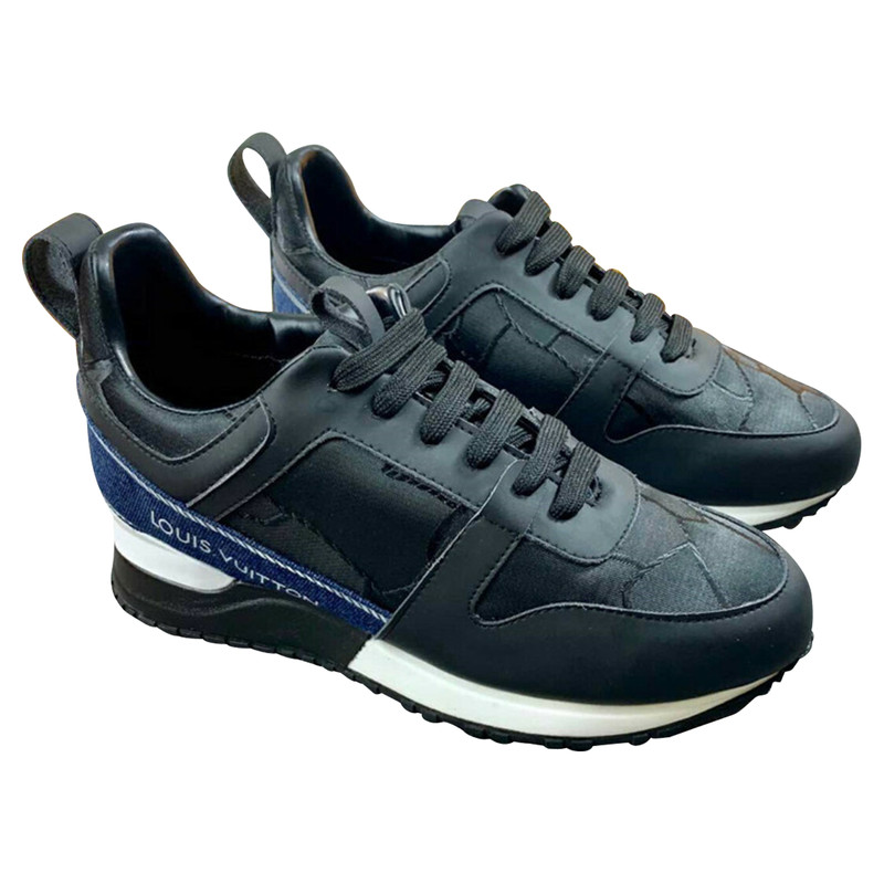 Louis Vuitton Trainers Leather in Blue