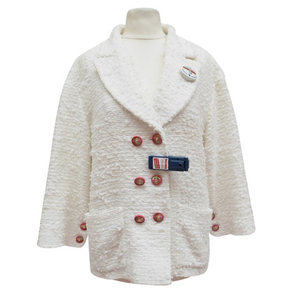 Chanel Boucléblazer with rose buttons