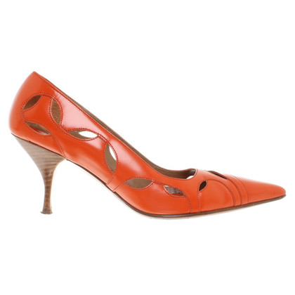 Prada pumps in oranje