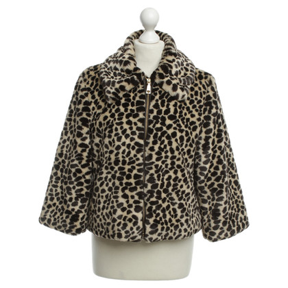 Moschino Love Kunst bont jas met Cheetah patroon