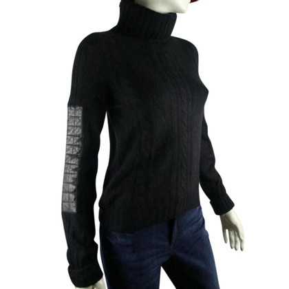Chanel cashmere col with leather details