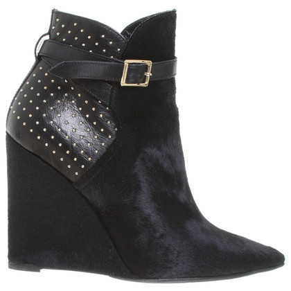 Burberry Ankle boots with fur trim in black