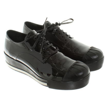 Miu Miu Sneakers aus Lackleder