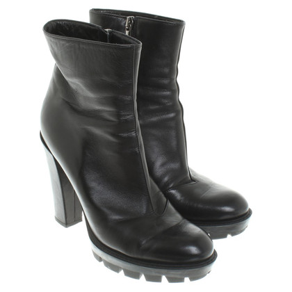 Dorothee Schumacher Boots in black