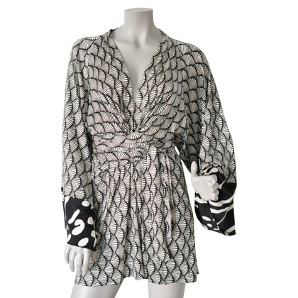 Issa Kleid im Kimono-Stil