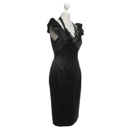 Karen Millen Zwarte jurk met statement ketting