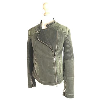 Closed biker jacket in cachi