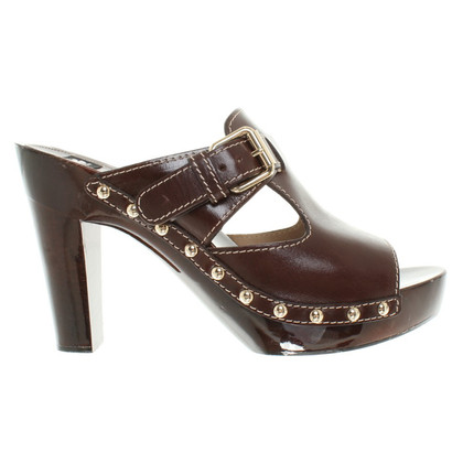 D&G pumps Brown