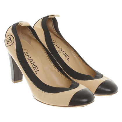 Chanel Pumps in Bicolor