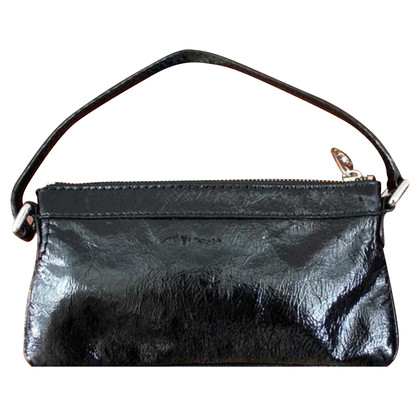 Marc by Marc Jacobs Clutch aus schwarzem Lackleder