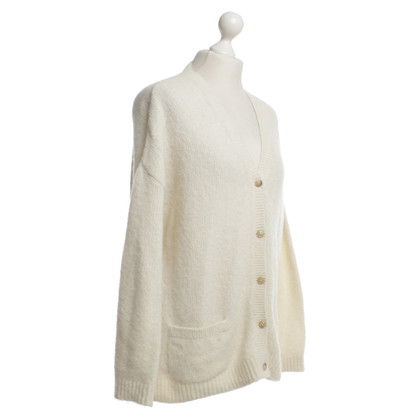 Closed Cardigan in Crema