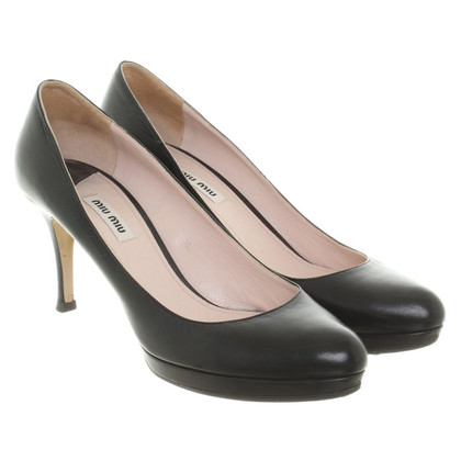 Miu Miu pumps in black