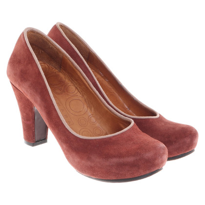 Chie Mihara pumps in rust red