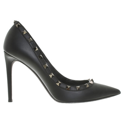 Valentino Rockstud pumps in black