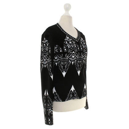 Alaïa Knit shirt in black and white