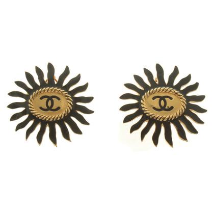 Chanel Clip boucles d'oreilles avec application de logo