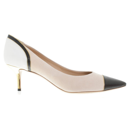 Salvatore Ferragamo Pumps in Nude