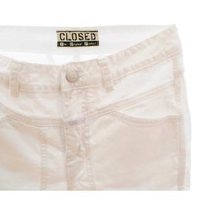 Closed White jeans destroyed look