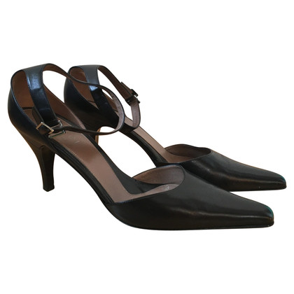 Gucci pumps with ankle strap