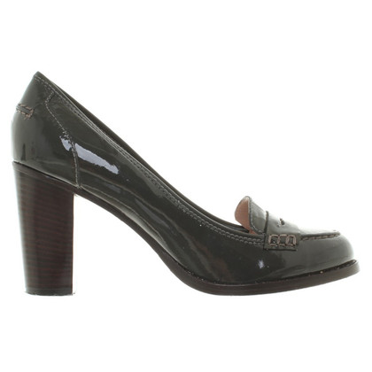 Marc by Marc Jacobs Lackleder-Pumps in Oliv