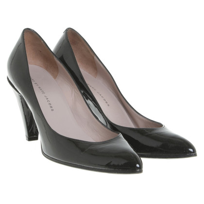 Marc Jacobs pumps made of lacquered leather