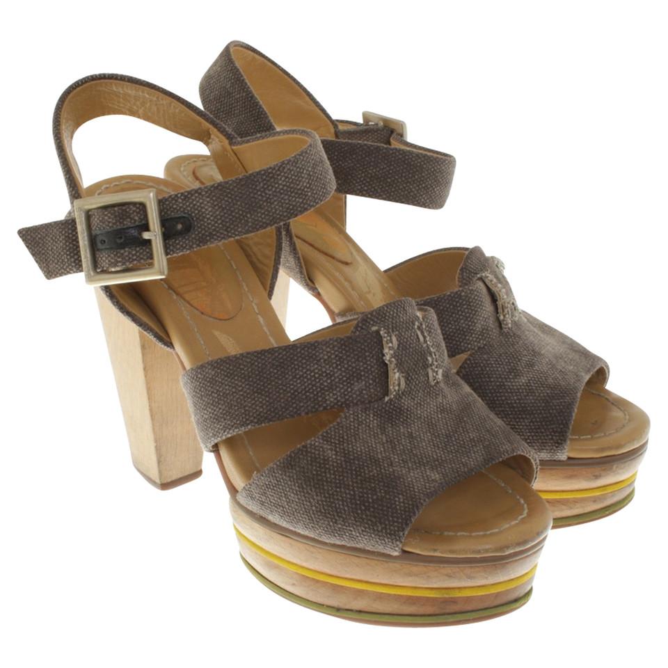 see by chlo sandaletten mit holz blockabsatz second hand see by chlo sandaletten mit holz. Black Bedroom Furniture Sets. Home Design Ideas