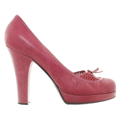 Louis Vuitton Pumps in Fuchsia