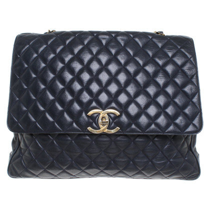 Chanel Flap Bag in dark blue