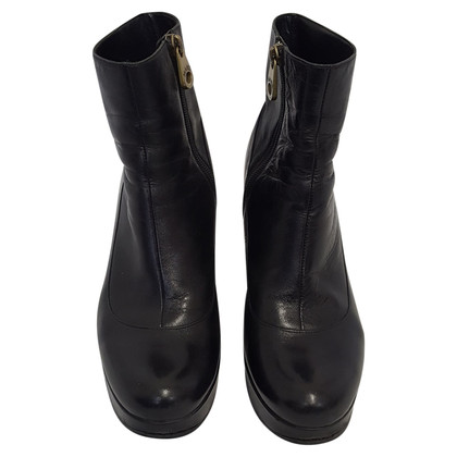 Marc by Marc Jacobs Boots in Black