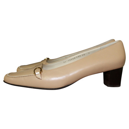 Salvatore Ferragamo pumps in Beige
