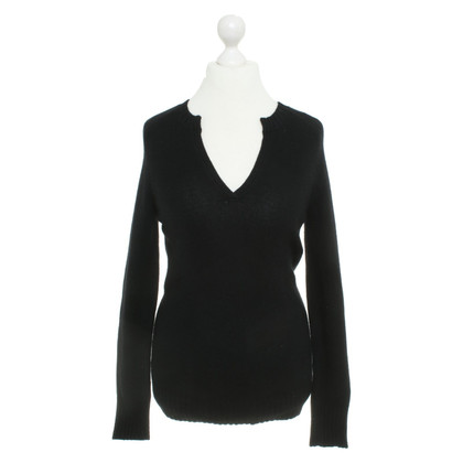 Allude Cashmere sweater in black