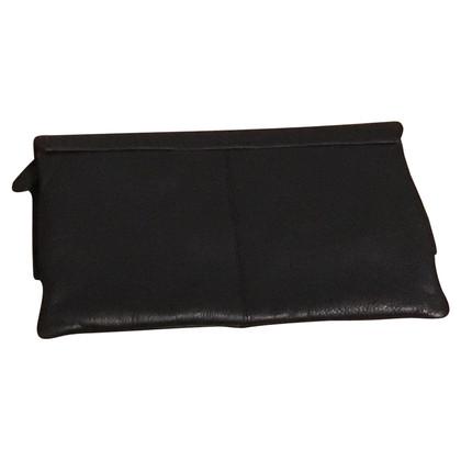 Steffen Schraut clutch in black