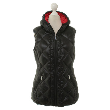 BCBG Max Azria Down vest in black