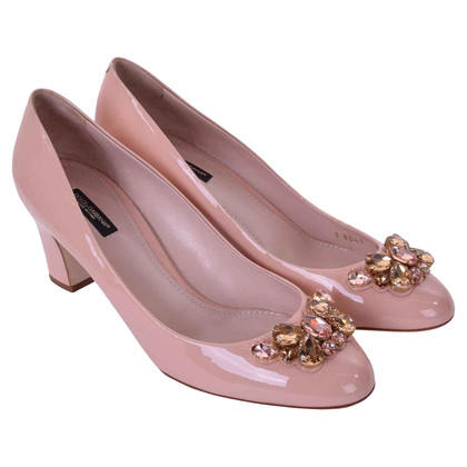 Dolce & Gabbana Patent leather pumps VALLY with brooch Pink