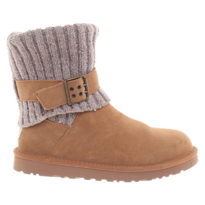 UGG Australia Boots with lambskin lining