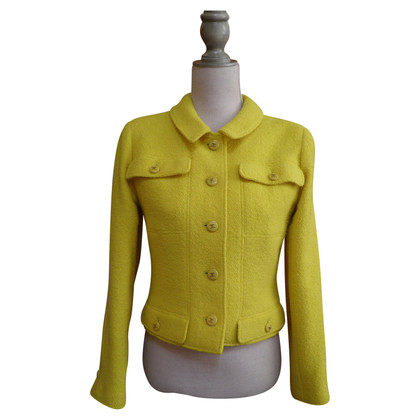 Chanel Cardigan in giallo