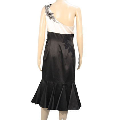 Karen Millen Silk dress in black