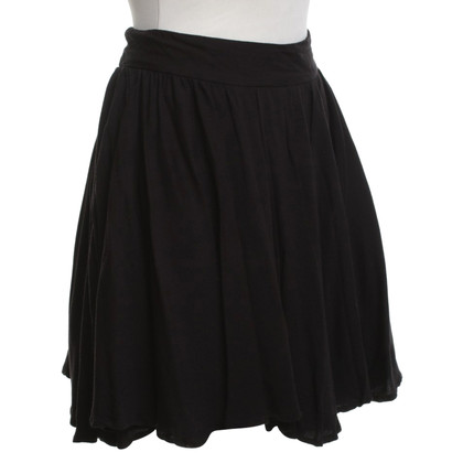 Reiss Pleated skirt in black