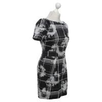French Connection Kleid in Schwarz/Weiß