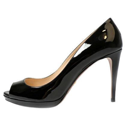 Prada Black patent leather pumps