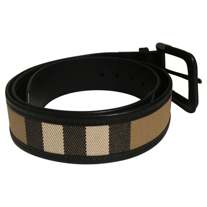 Burberry Belt with Nova check pattern