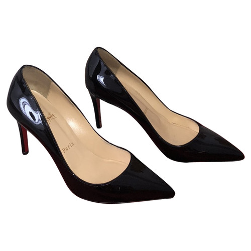 louboutin pumps nero
