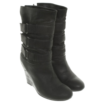 Vic Matie Boots in black