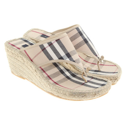 Burberry Wedges mit Nova-Check-Muster