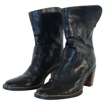 Closed Black leather ankle boots