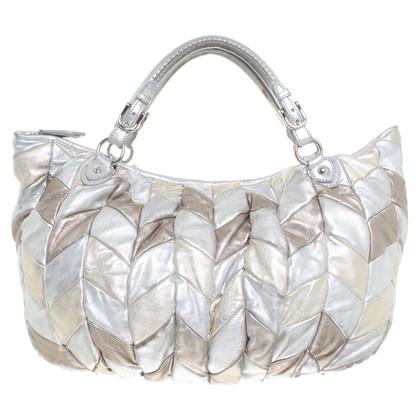 Miu Miu Metallic Handtasche mit grafischem Muster